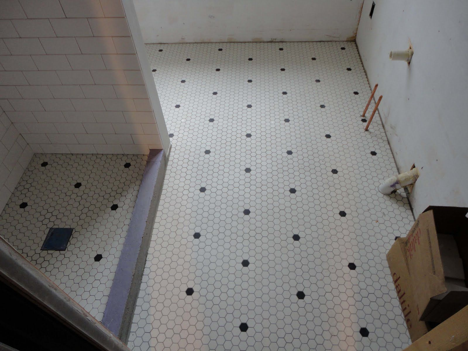 Hexagon tile vintage antique repro hex tile bathroom floor hexagon tile vintage antique repro hex tile bathroom floor ceramic tile advice forums dailygadgetfo Images