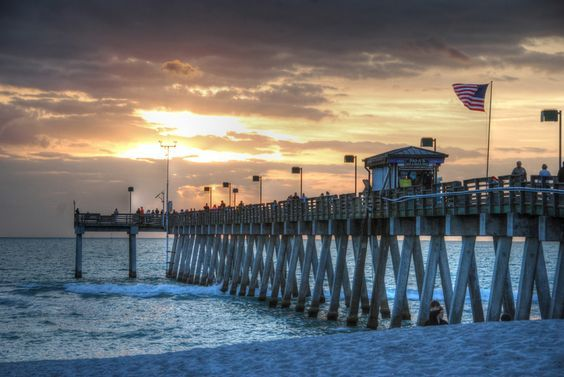 Sunset at Sharky's on the Pier (With images)   Venice ...
