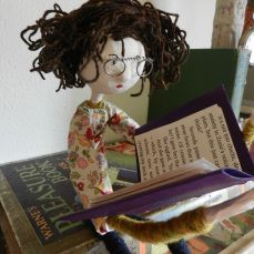 florence the book reader and Knitting Maggie 004
