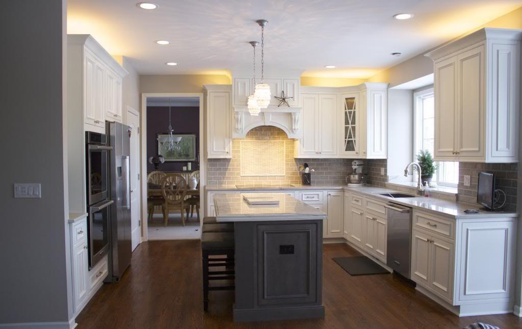 Best Perimeter Cabinets Shiloh Charleston Door Beaded Inset 400 x 300