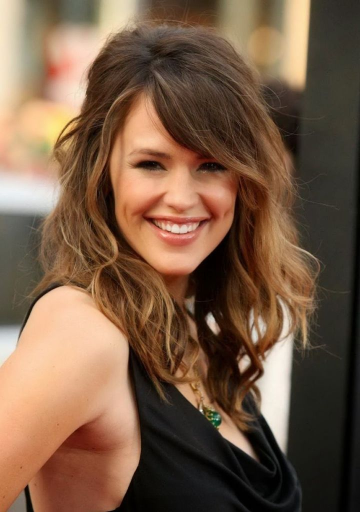 Cute Shoulder Length Haircuts For Round Faces Shoulder Length