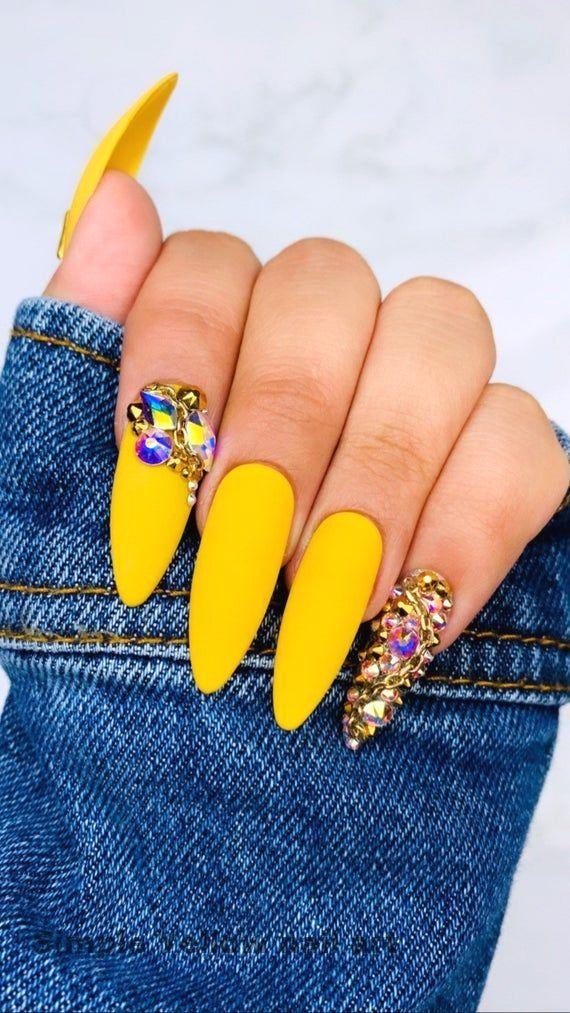 23 Great Yellow Nail Art Designs 2019 1 In 2020 Swarovski Nails Gold Nails Yellow Nails