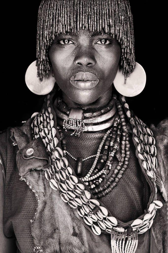 Сильные портретные снимки африканских кочевников ...