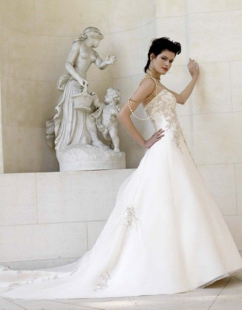 Wedding gown by Var.