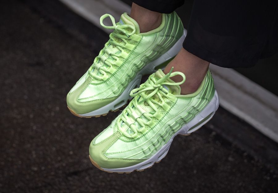 buy online bed9a 1eb12 Nike Wmns Air Max 95  Light Liquid Lime