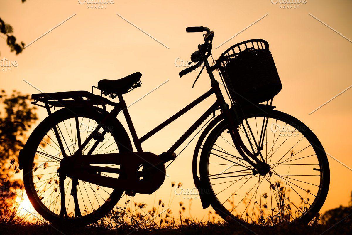 Vintage Bicycle Background In 2020 Vintage Bicycles Bicycle Beautiful Landscape Images