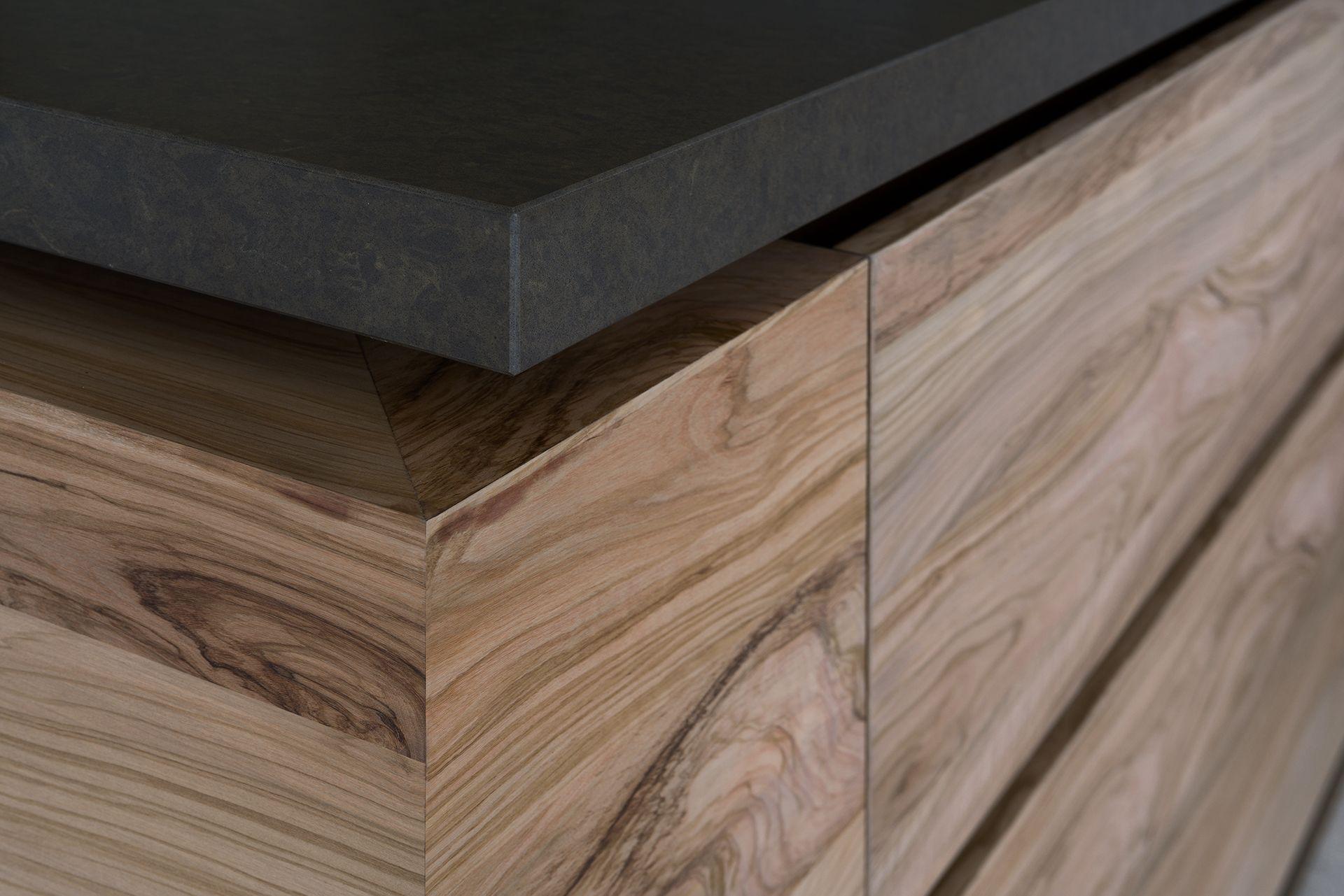 Donker aanrechtblad houten keuken keuken houten