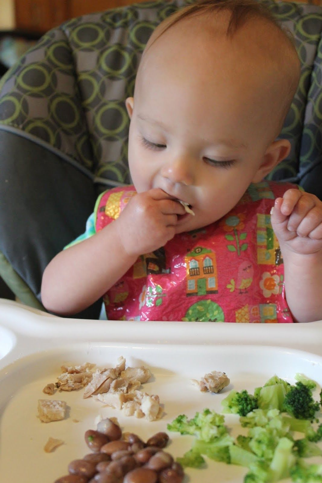 How To Start Introducing Finger Foods To Baby