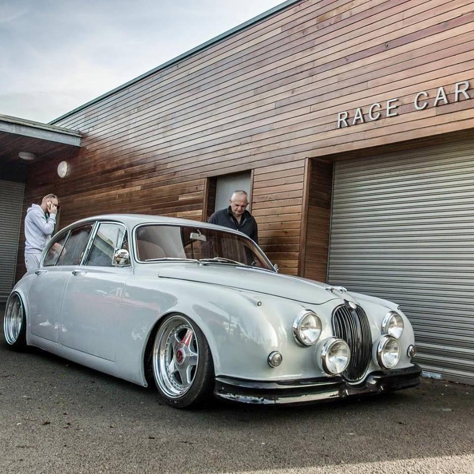 Pin By Pete Burger On Chats Classic Cars Jaguar Jaguar Car