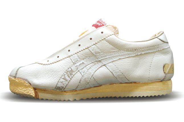 onitsuka tiger corsair vs nike cortez