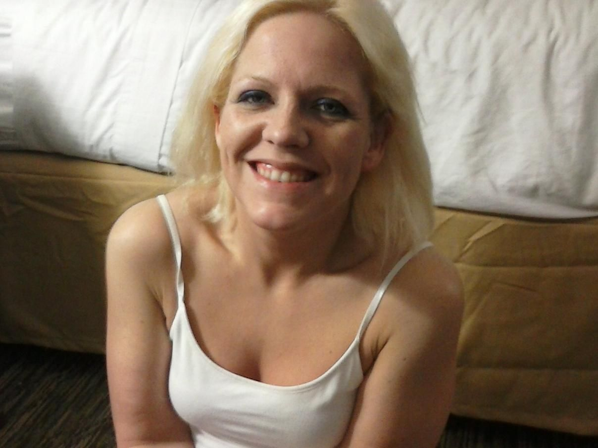 18 year man and 35 year woman old dating