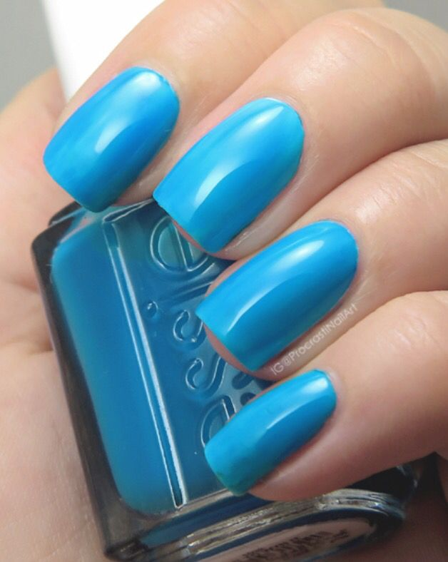 Essie - In It To Win It | Current nail color | Pinterest | Hair make ...