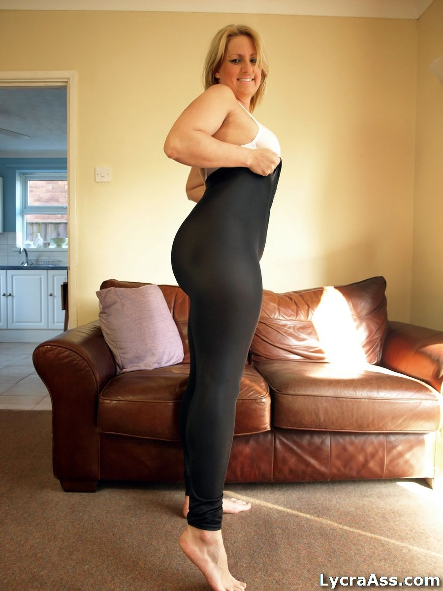 Big booty milf in black dress pants