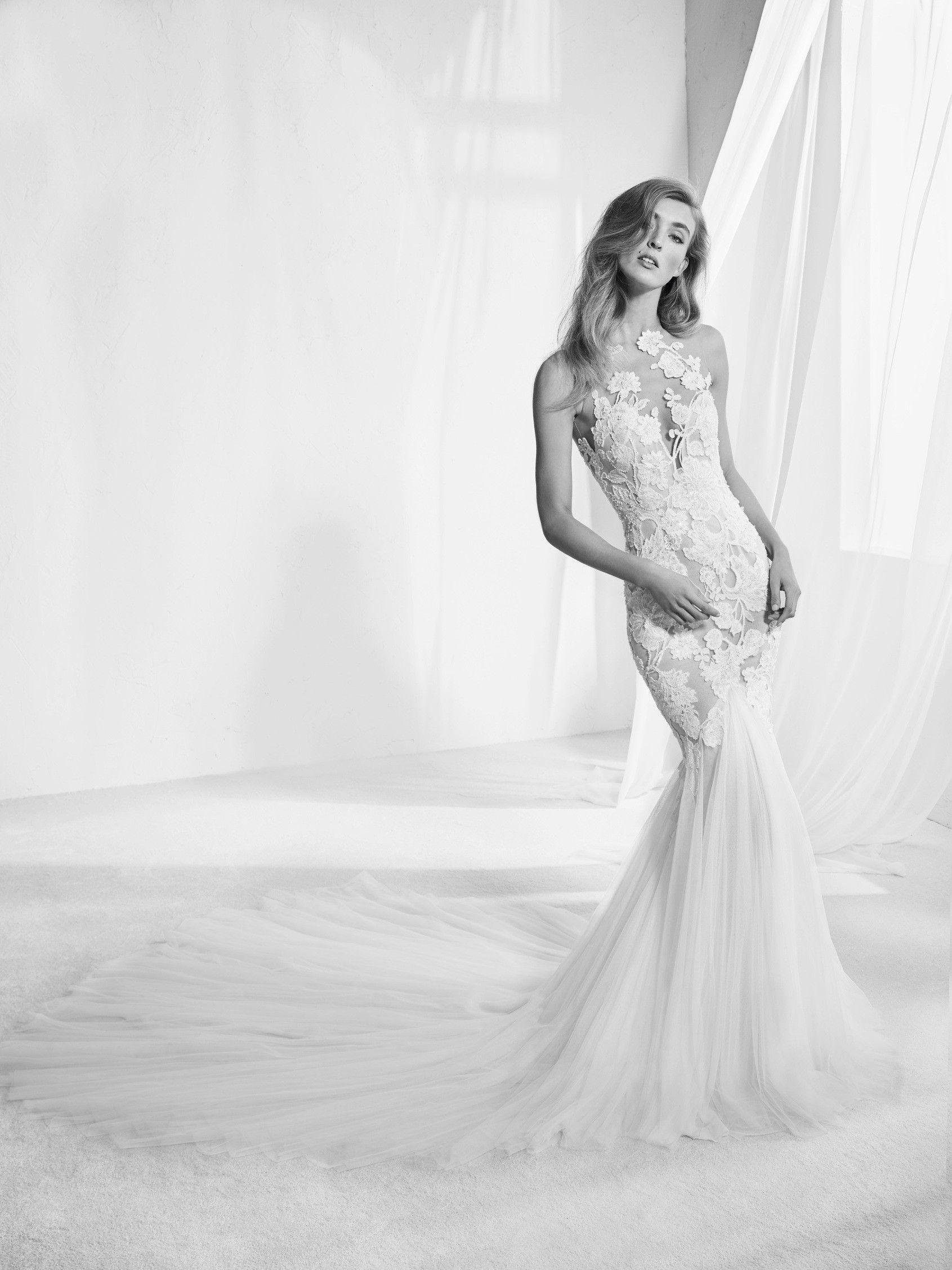 Brautkleid mit Tattoo-Effekt - Raen   Hochzeit   Pinterest   Brautkleid