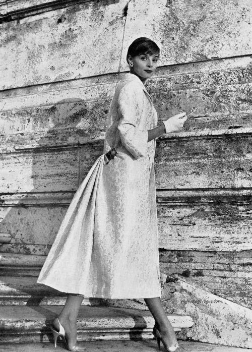 Moda Italiana Spring / Summer 1956 Iris Bianchi wearing a design by ...