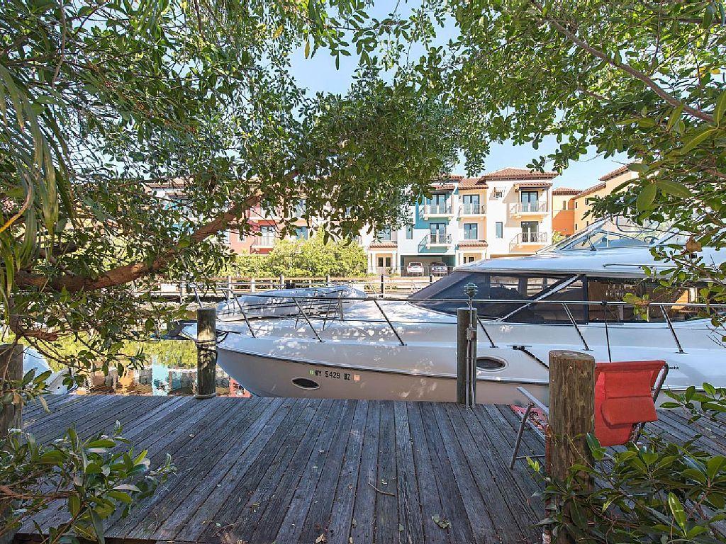 Beautiful waterfront boat dock near vrbo with