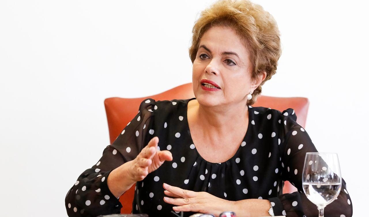 #BrasilContraOGolpe - Presidente falará em cadeia nacional de rádio e TV nesta sexta-feira, às 20h, para pedir apoio contra o impeachment e dizer que há um golpe em curso no País; Dilma Rousseff também falará sobre a proposta do pacto pelo diálogo caso não seja afastada do cargo