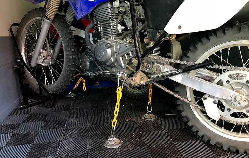 How To Secure A Dirt Bike In A Trailer Without Straps Bike