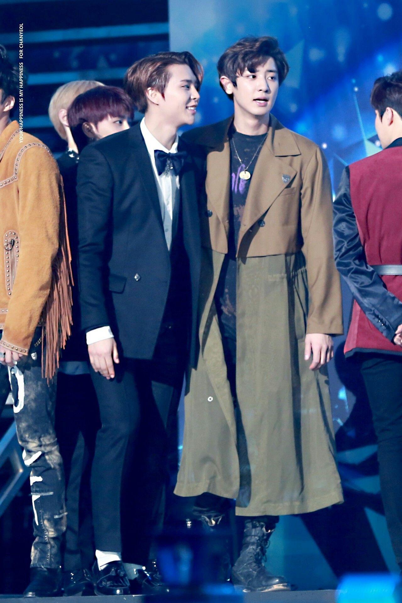 Chanyeol And Johnny Exo Nct Selebritas Nct Chanyeol