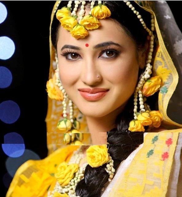 Beautiful Bridal Flower Mehndi Jewelry