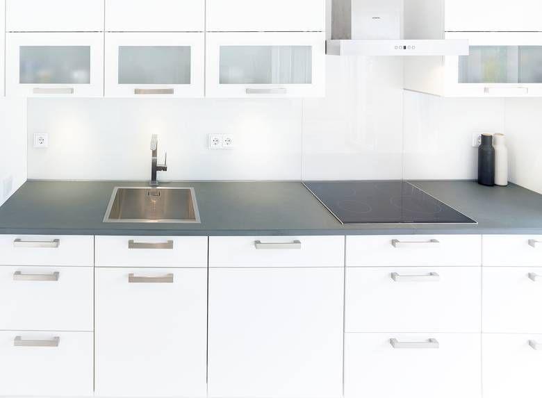 Stonegate natursteine einfache k chenzeile mit einem for Einfache kuchenzeile