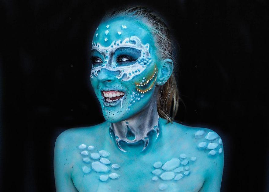 Bodypainting : La princesse Lara Wirth se transforme en monstres