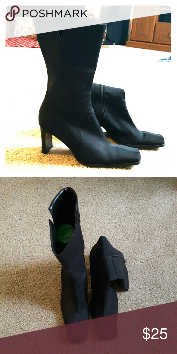 🆕Nine West Square Toe Zipper Boots Lightly worn Nine West Boots. Excellent condition!! Nine West Shoes Heeled Boots