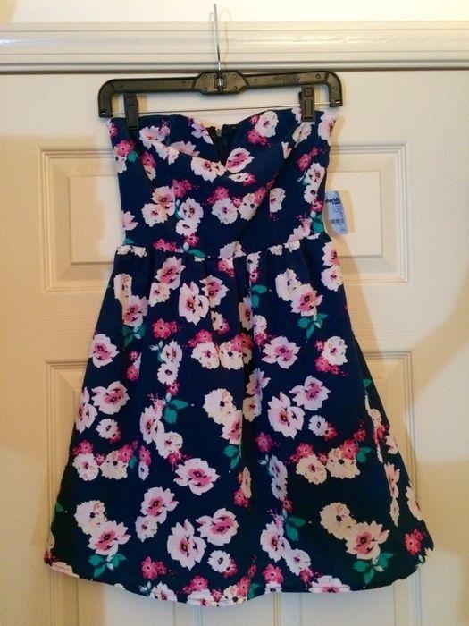 Strapless Floral Dress    [url]: http://www.vinted.com/sh/clothes/13436883-strapless-floral-dress