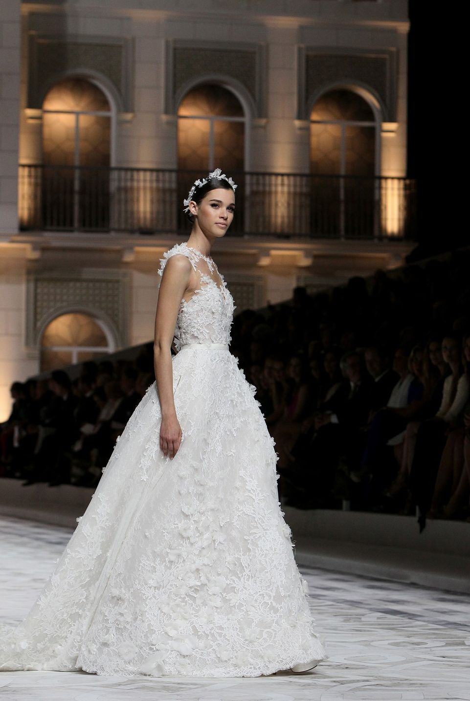 http://complicatedbut.tumblr.com/post/85361104209/runwayandbeauty-pauline-hoarau-pronovias