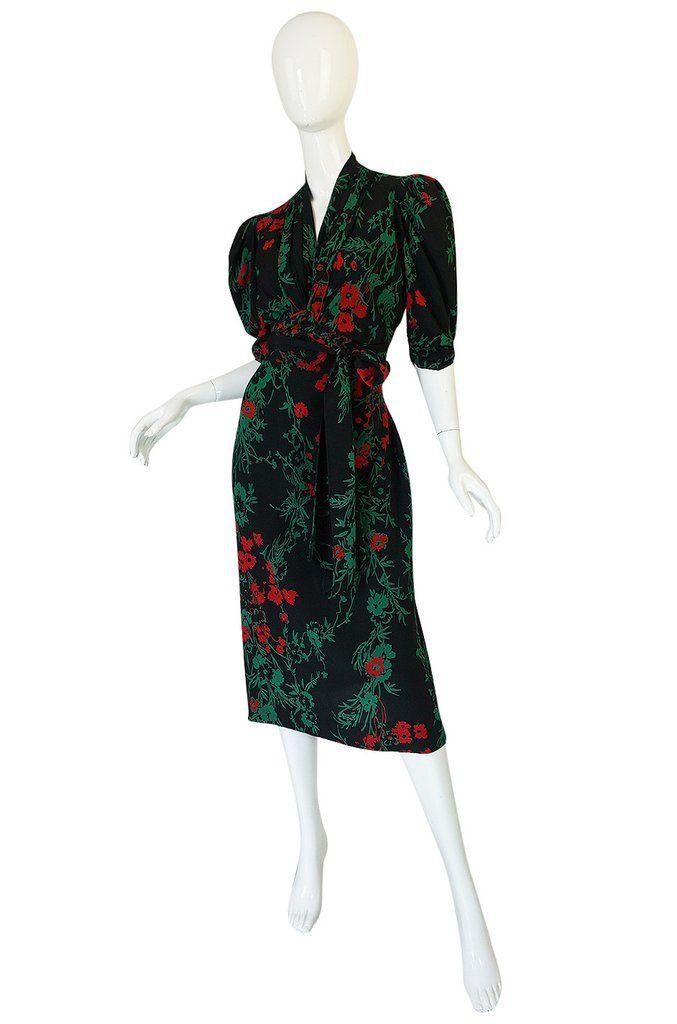 Mode Vintage · Robe En Soie · 1930s Fashion Originators Guild Blue   Red  Floral Silk Dress bb62395ad465