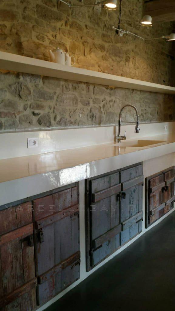 Biomalta ral 7010 grigio tenda: cucina in stile in stile rustico di ...