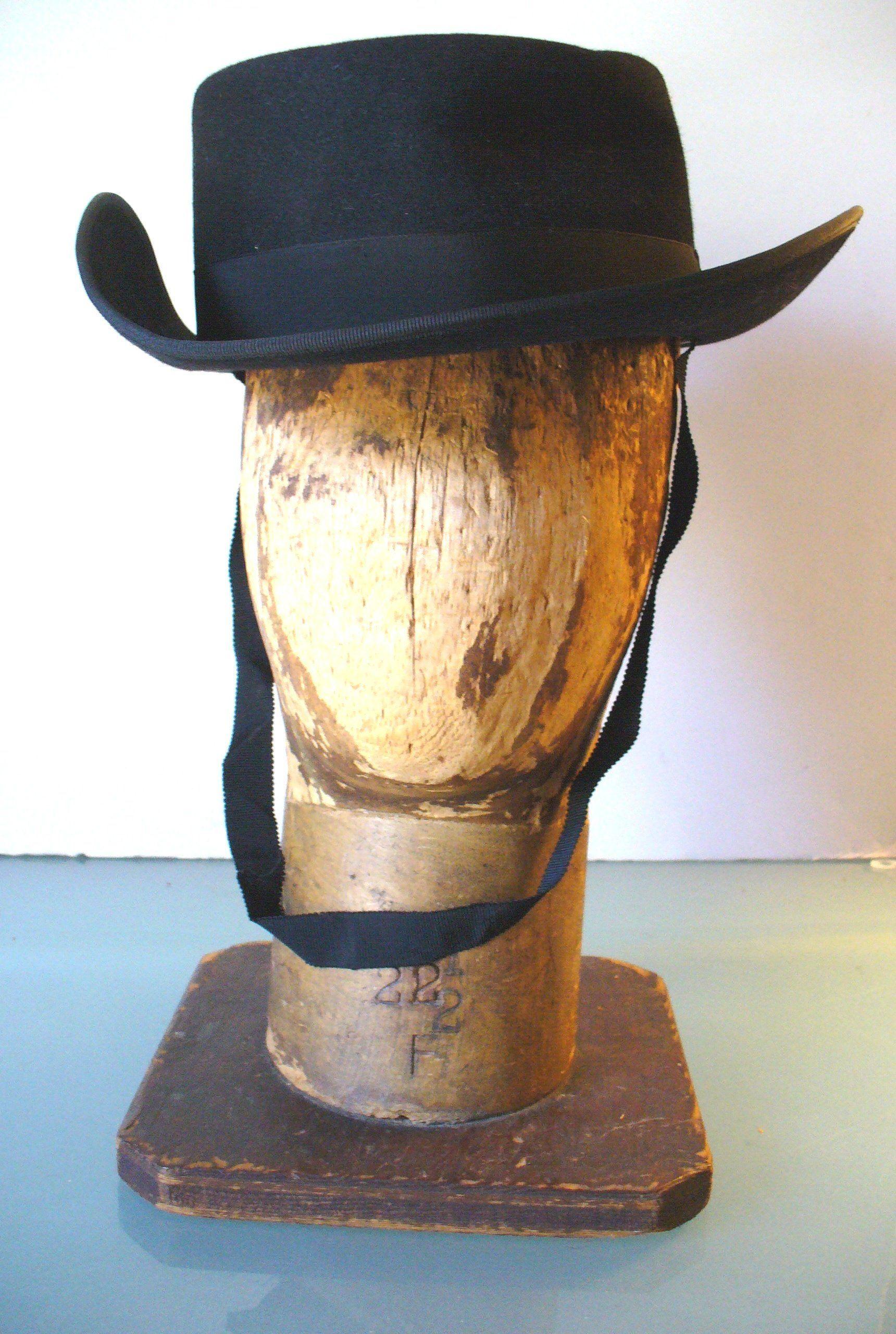 c896688ac2e Vintage Viumar Sombrero Cordobes Black Hat by TheOldBagOnline on Etsy