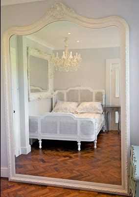 I love this huge mirror! http://citified.blogspot.com/