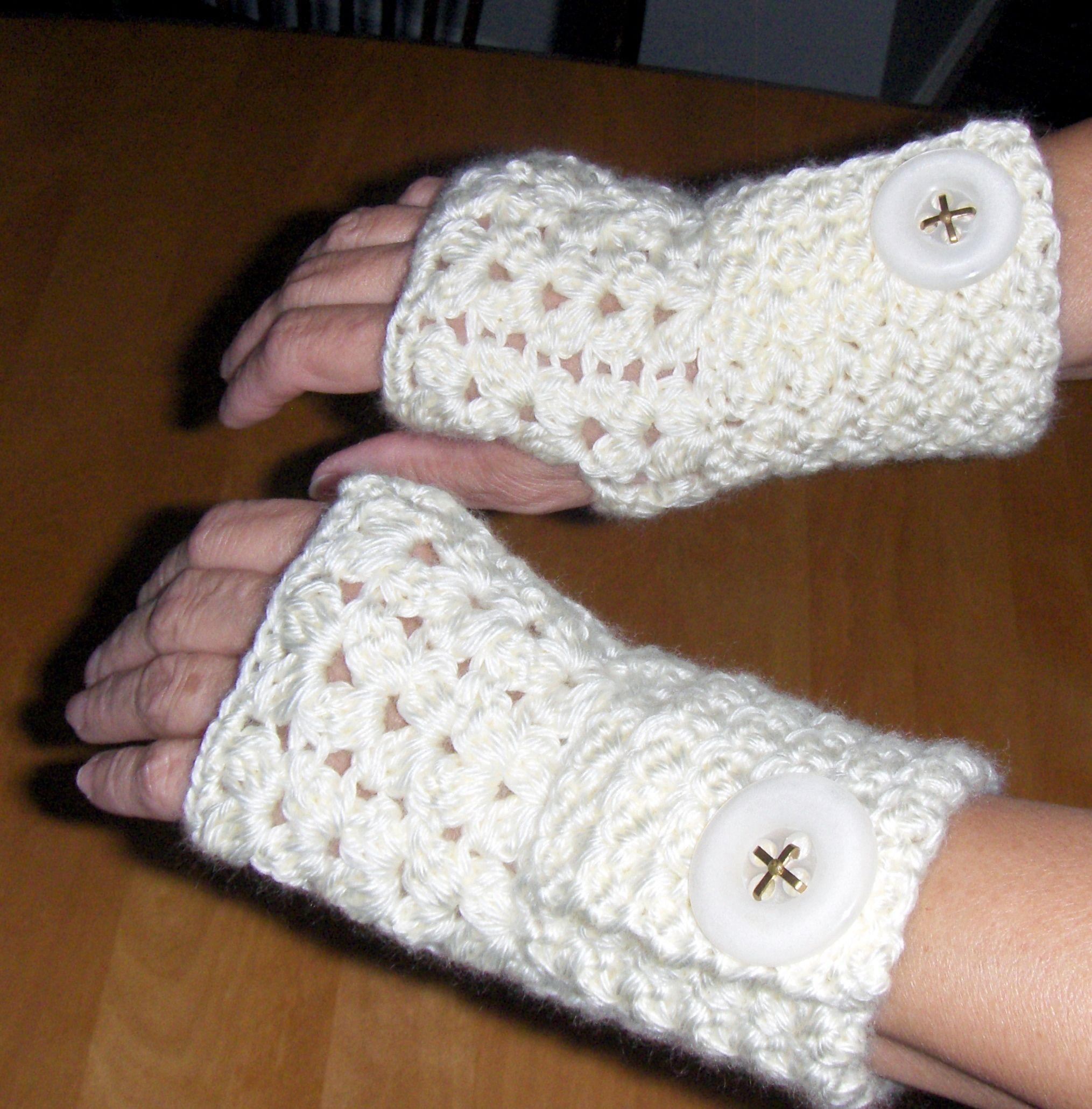 free pattern fingerless gloves | crochet | Pinterest