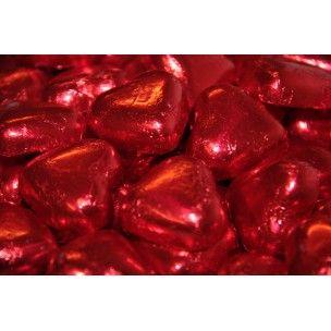 Sorini Suklaasydän maitosuklaat punaisessa foliopaperissa. Erinomainen ja suosittu valinta hääkarkiksi.