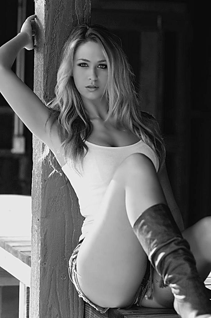 Jessica pare suck nude