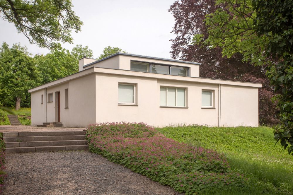 Gallery of AD Classics Haus am Horn / Muche 13