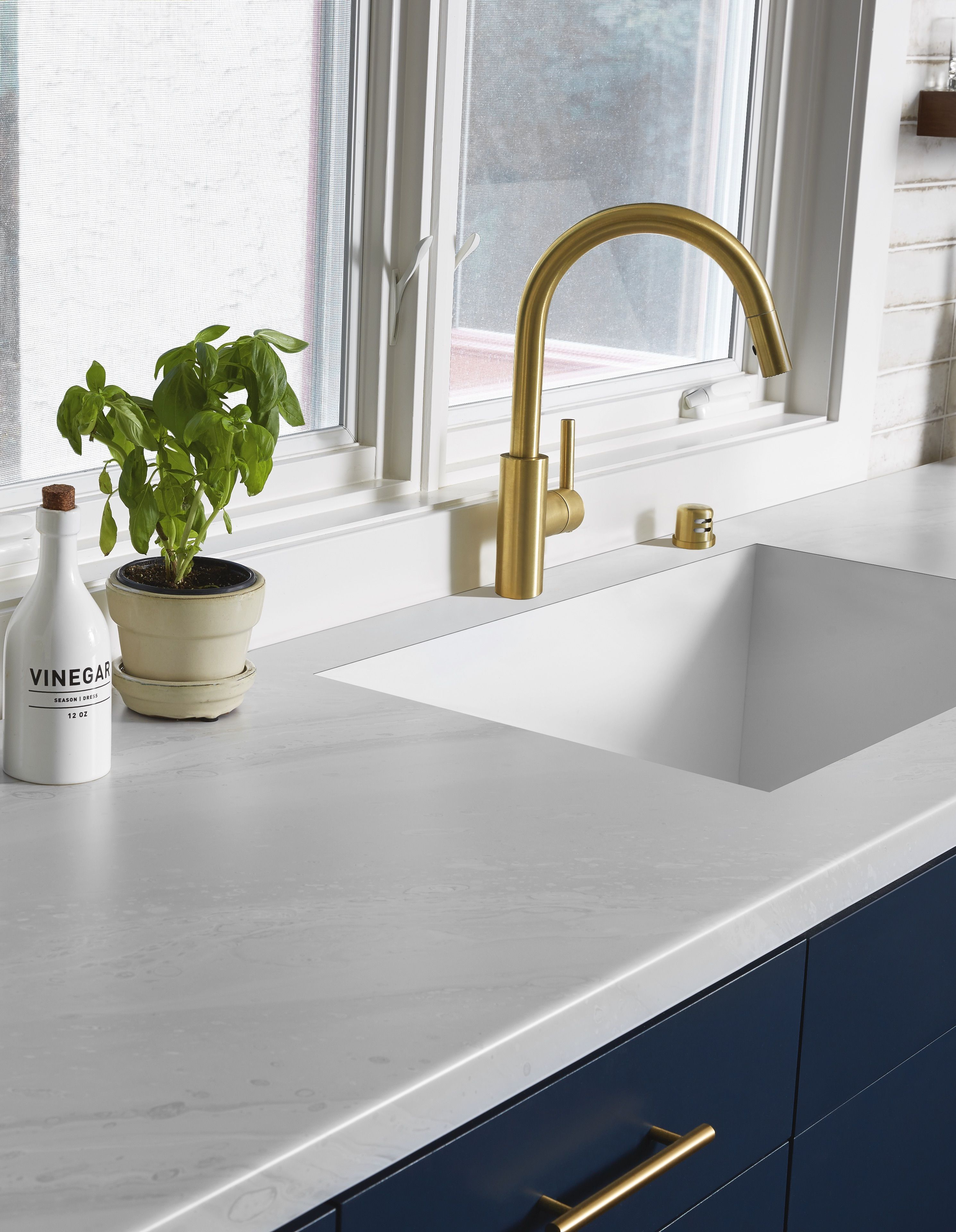 Formica S Marble Countertops Basically Look Just Like The Real Thing In 2020 Marble Countertops Formica Cheap Kitchen Decor
