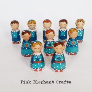 Christmas Elves Peg doll set hand made by www.pinkelephantcrafts.wales
