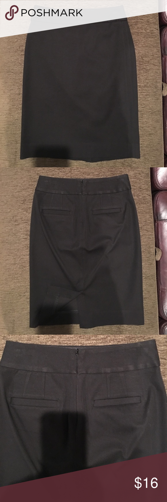 """Banana Republic Sloan Pencil Skirt Black 2 Gorgeous banana republic skirt Sloan style. Size 2. Black. Great condition. Worn 2 times and dry cleaned. Waist 28"""". Hips 35"""". Length 22"""". Banana Republic Skirts Pencil"""
