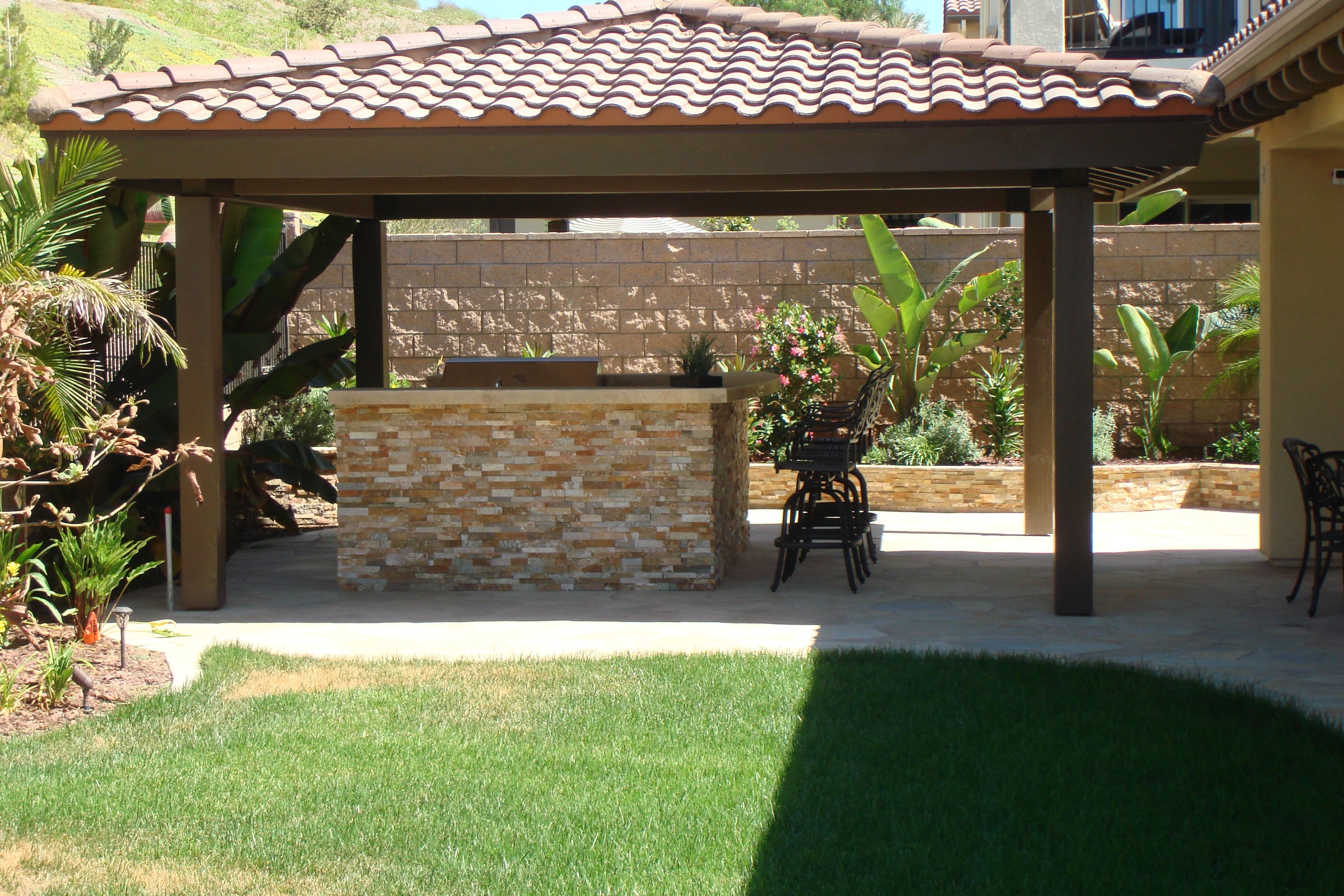 "Free standing patio cover with ""Hip roof"""