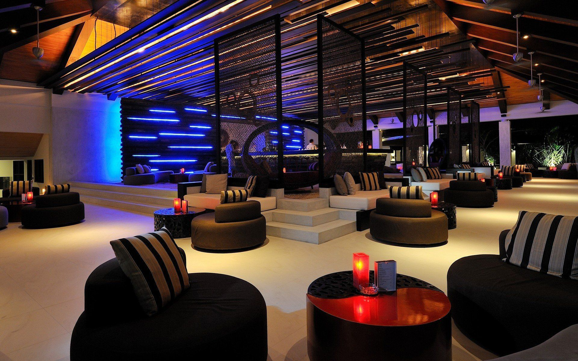 Modern Lounge Bar Interior Design Ideas