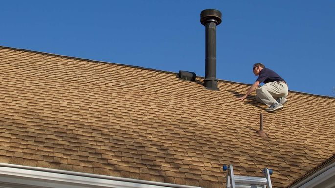 Roof Maintenance Made Easy 4 Features All Homeowners Must Check Roof Maintenance Home Inspection Roof Repair Diy