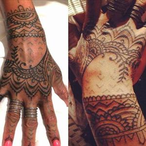 Tatuajes De Rihanna Y Su Significado Hand Tattoos Rihanna Hand Tattoo Henna Inspired Tattoos