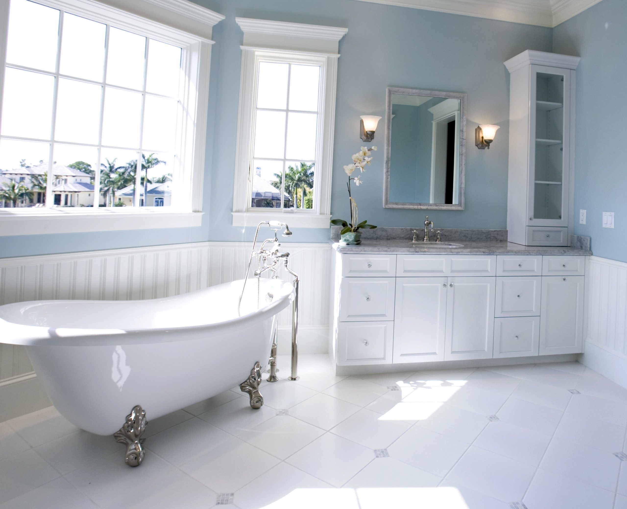 Find 10 Two Tone Bathroom Colors Some Of The Cleverest And Inspiring For Your House For You In 2020 Modern Bathroom Colours Blue Bathroom Decor Best Bathroom Colors