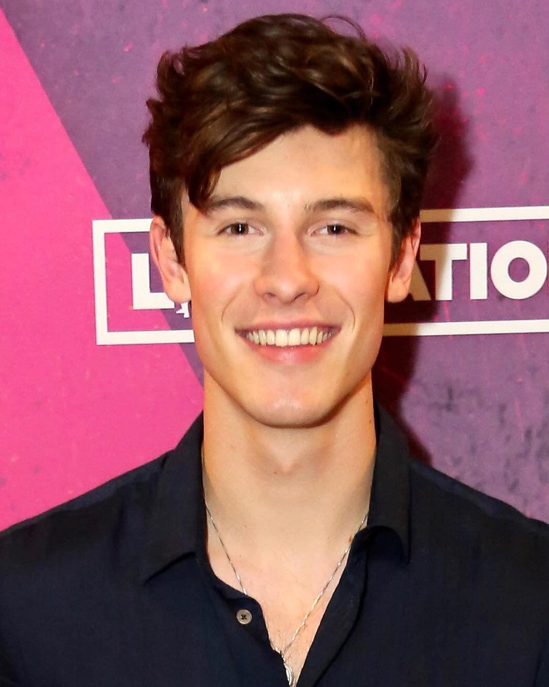 Love His New Hair Shawn Mendes Girlfriend Shawn Mendes News Shawn Mendes
