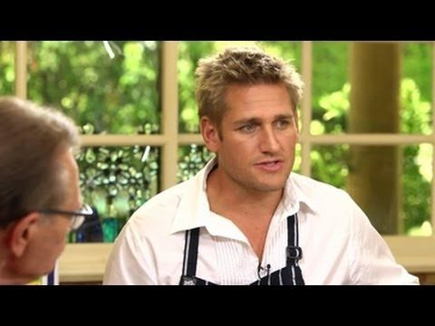 Celebrities You Didn't Know Were Left-Handed - The Delite |Left Handed Celebrities Chefs
