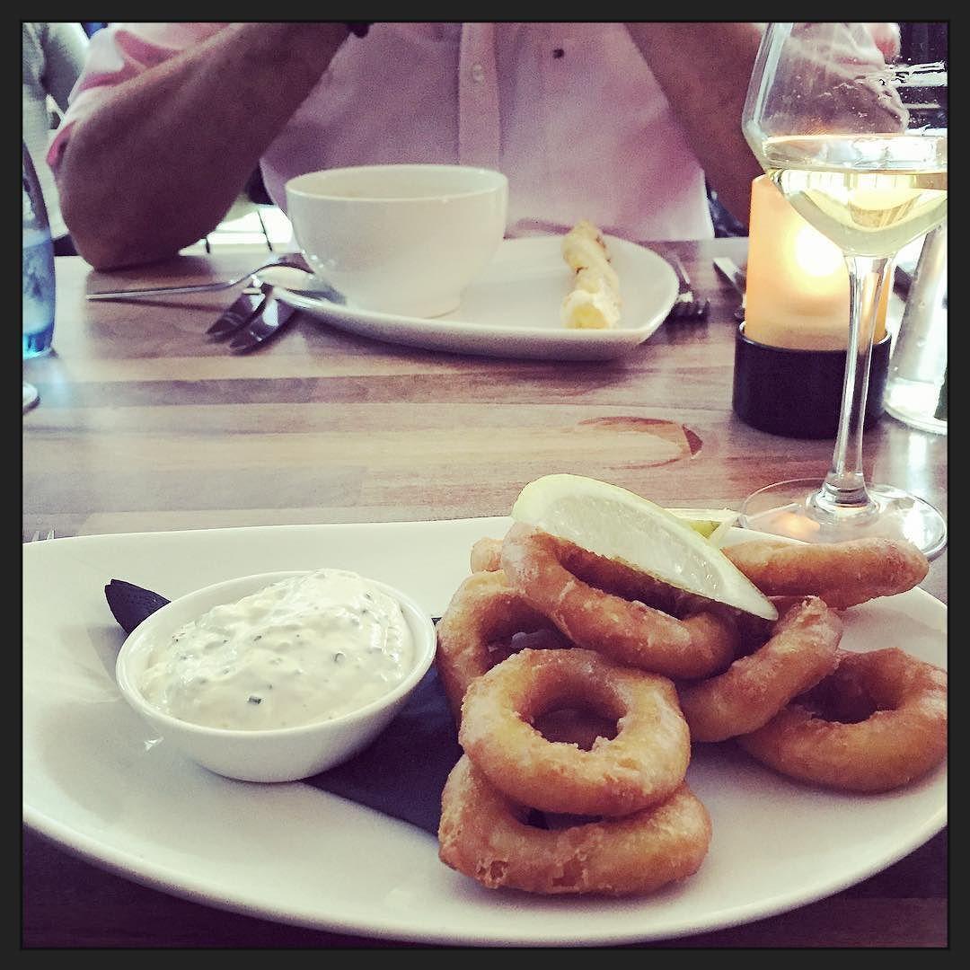 Calemaris and white wine... Yummie! :-) #eten #foodporn #myview