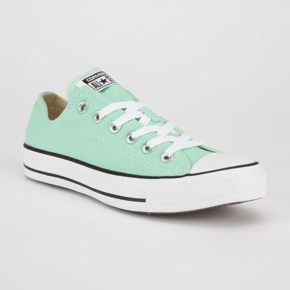 2d5763e77426 I want these mint green converse!! I have wanted them forever!
