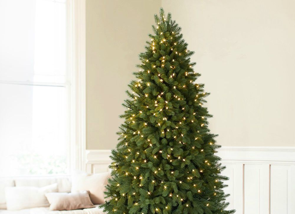 d5d69f55a547 Consider a slim corner tree instead of a full-sized fake. Taken apart